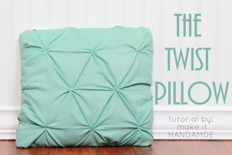 Diy Throw Pillow Instructions : Twist Pillow Tutorial