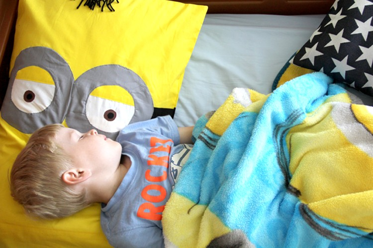 Minion Pillowcase DIY