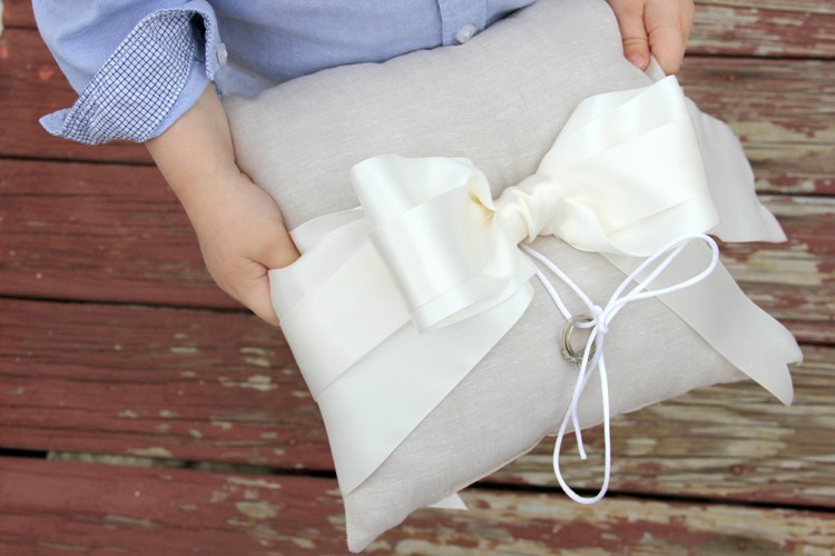 How to make a ring bearer pillow