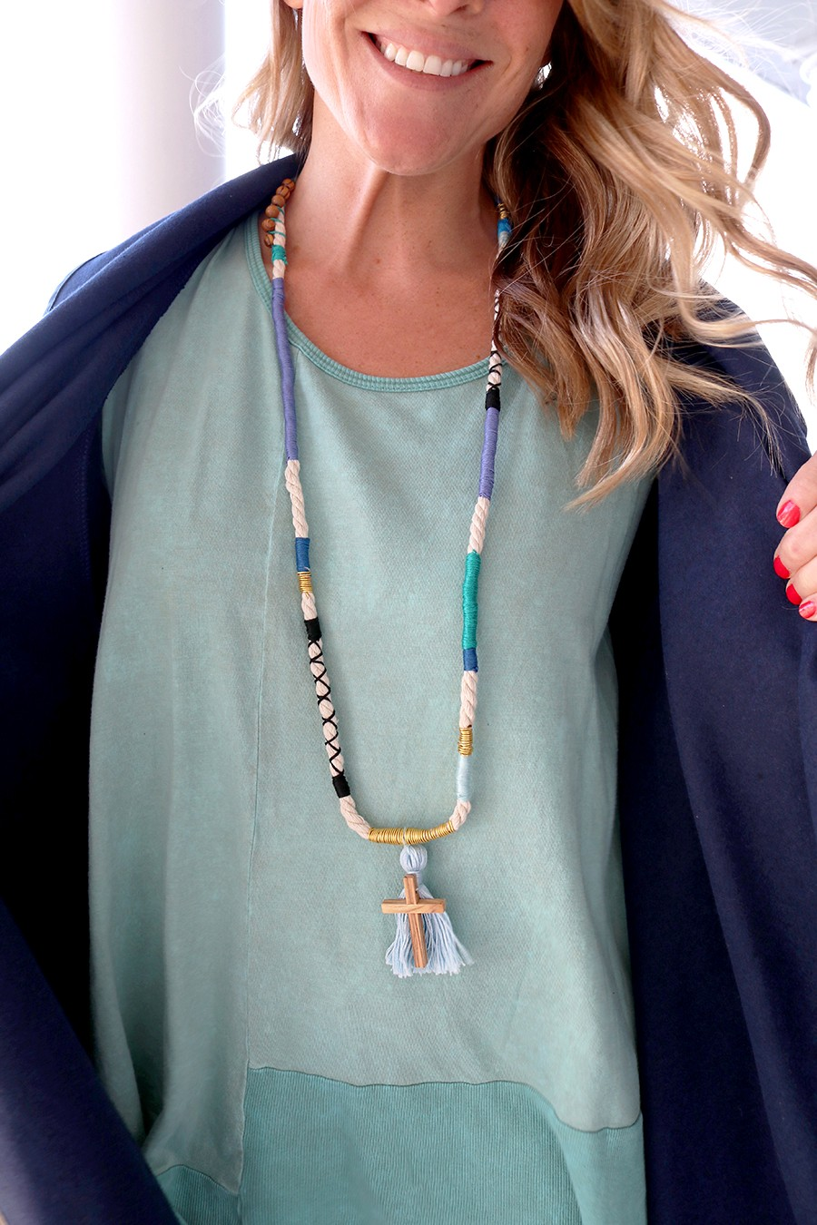 make a gorgeous rope and thread necklace