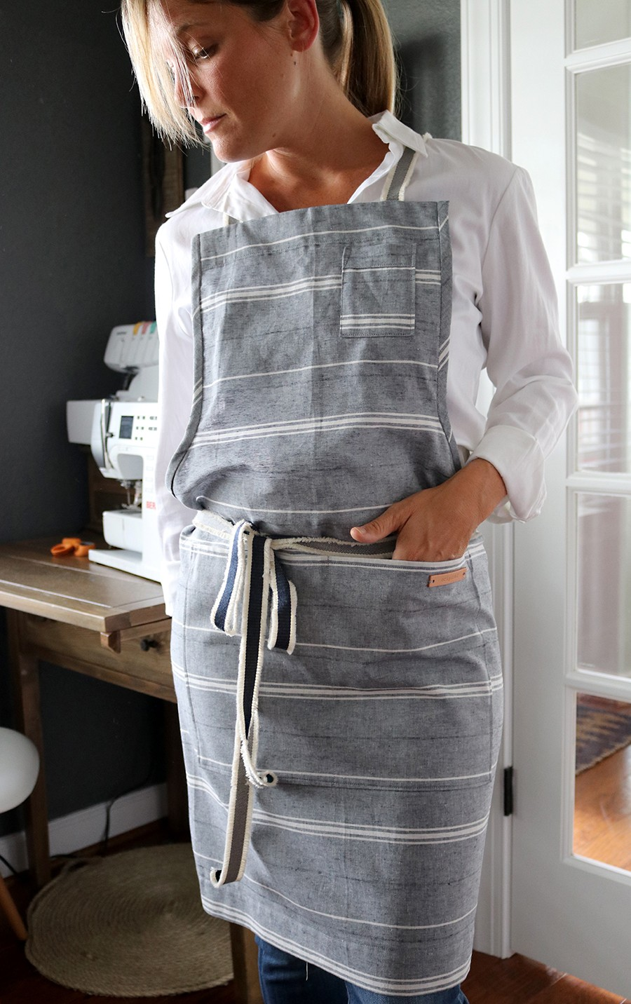 how to sew a modern apron with leather tabs