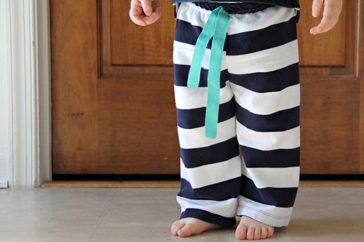 Easiest Baby Pants to Sew, Ever.