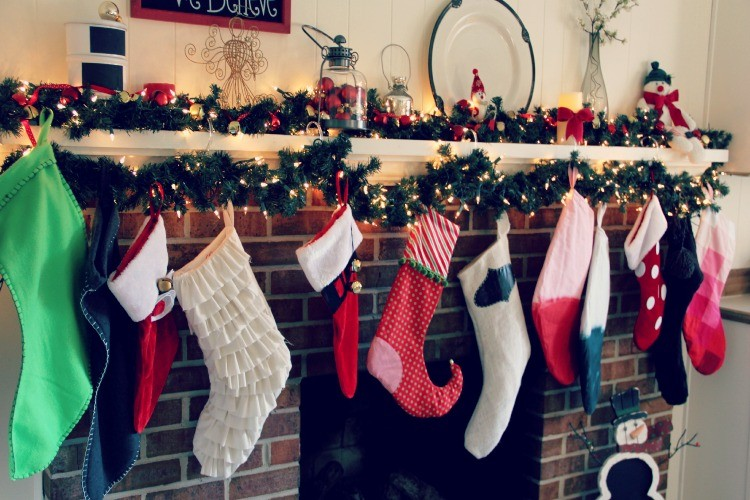 Christmas Stocking with Free Pattern – Styled 8 Ways