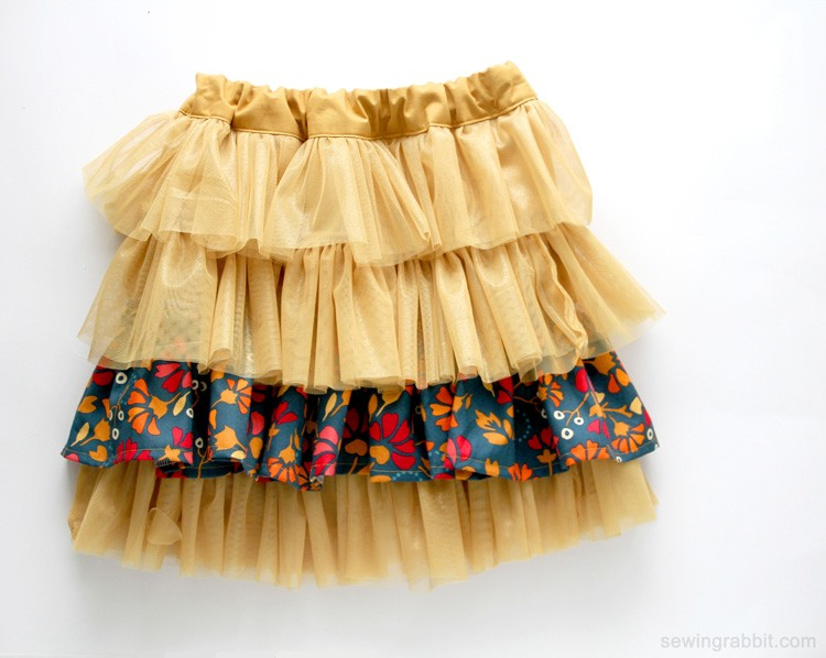 fabric and tulle skirt diy the sewing rabbit. Black Bedroom Furniture Sets. Home Design Ideas