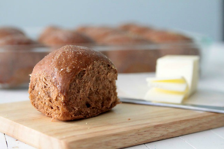 Steakhouse Sweet Brown Molasses Bread
