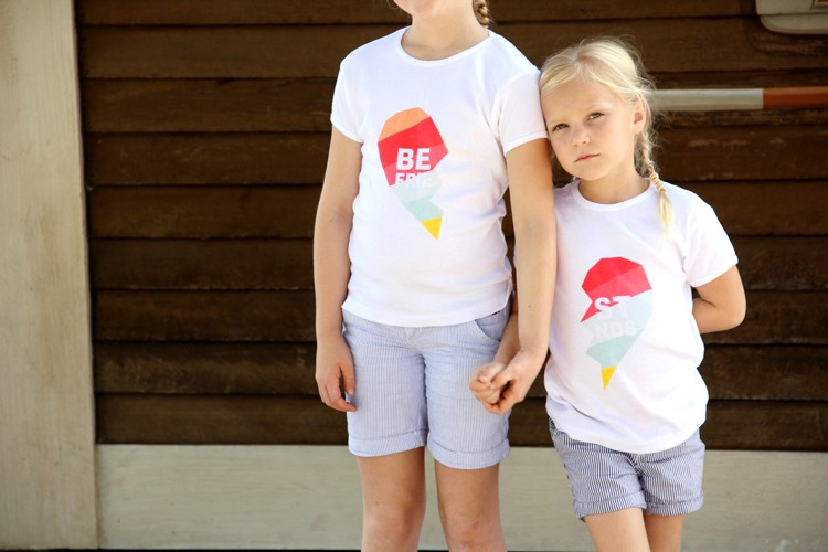 best friends t shirt diy the sewing rabbit. Black Bedroom Furniture Sets. Home Design Ideas