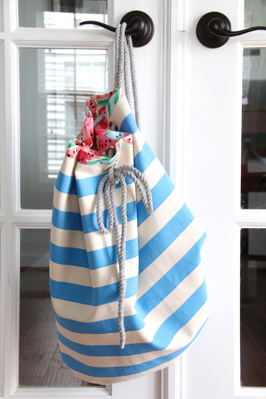 Rope beach bag the sewing rabbit how to make a drawstring beach bag with cotton pull rope free pattern jeuxipadfo Gallery
