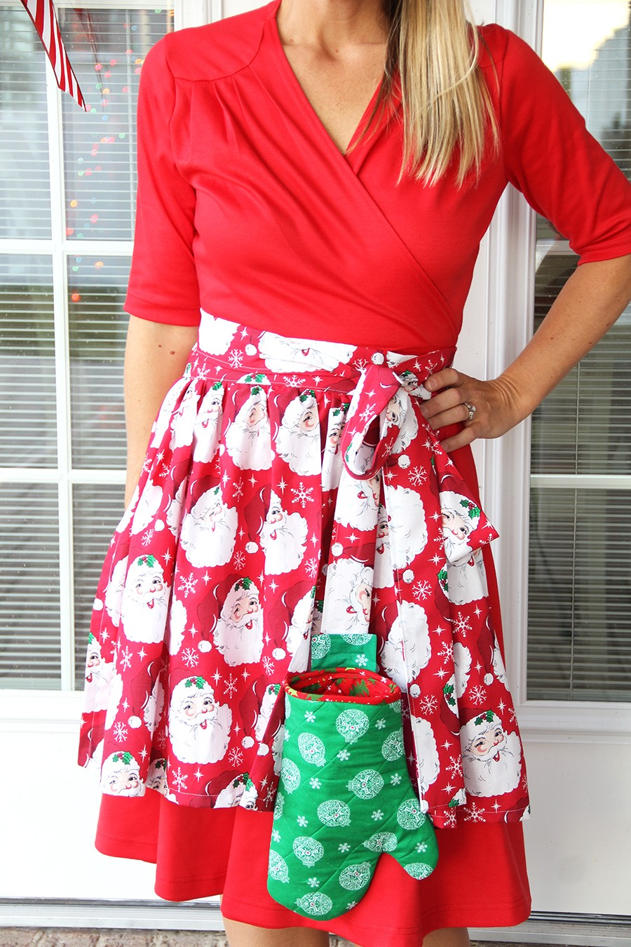 Apron with Detachable Oven Mitt Pattern - The Sewing Rabbit