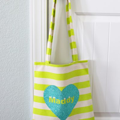 Sew an easy Valentine's Day Tote (Custom)