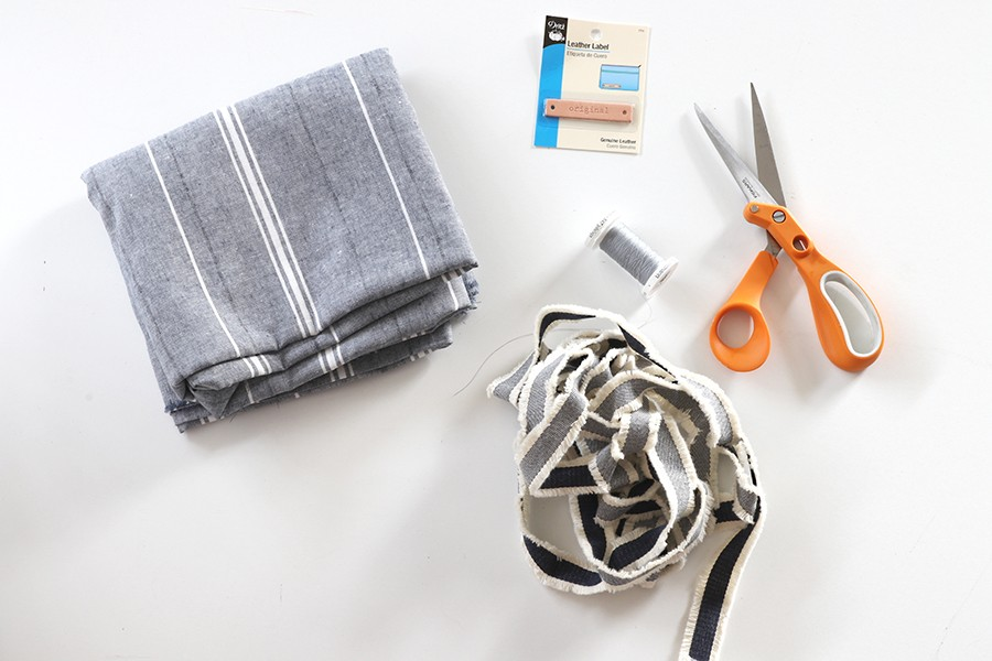 materials needed to make an apron