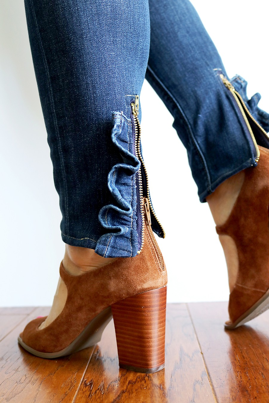 MAKE THESE: denim ruffled zipper jeans