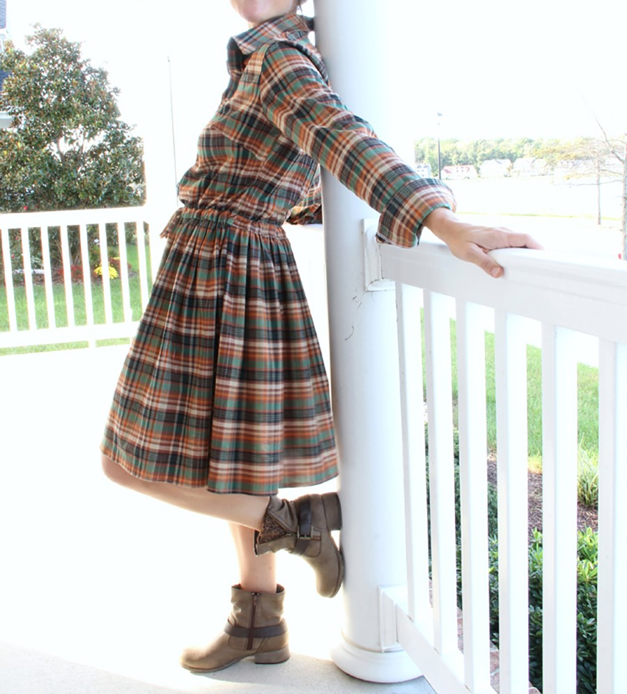 FALL FASHION: Make this mad for plaid dress