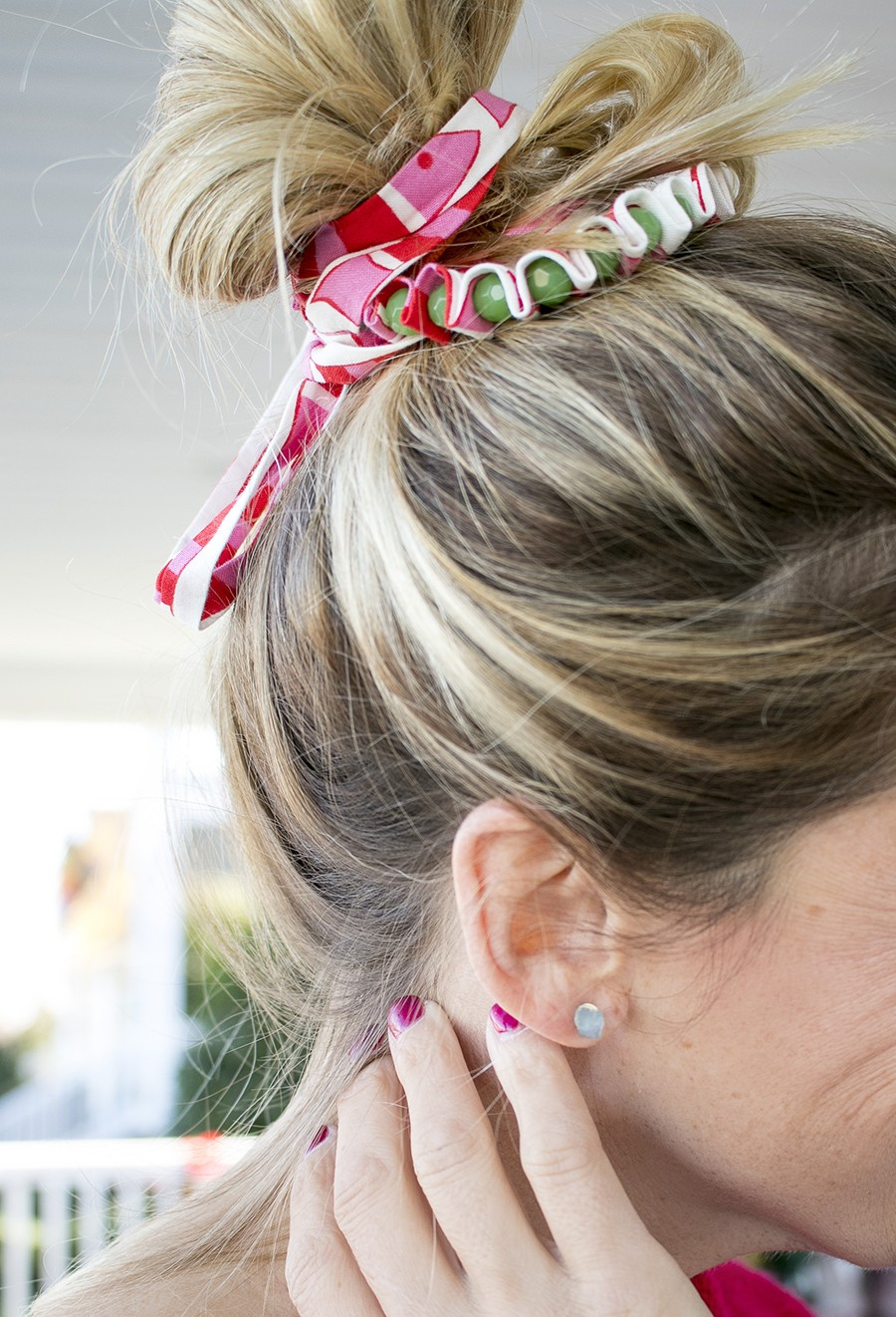 fabric scrap messy bun hair accessory diy